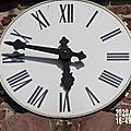 L' HORLOGE de l'église sonne à L'heure ! ! !