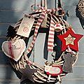 <b>Couronne</b> de Noël beige et rouge