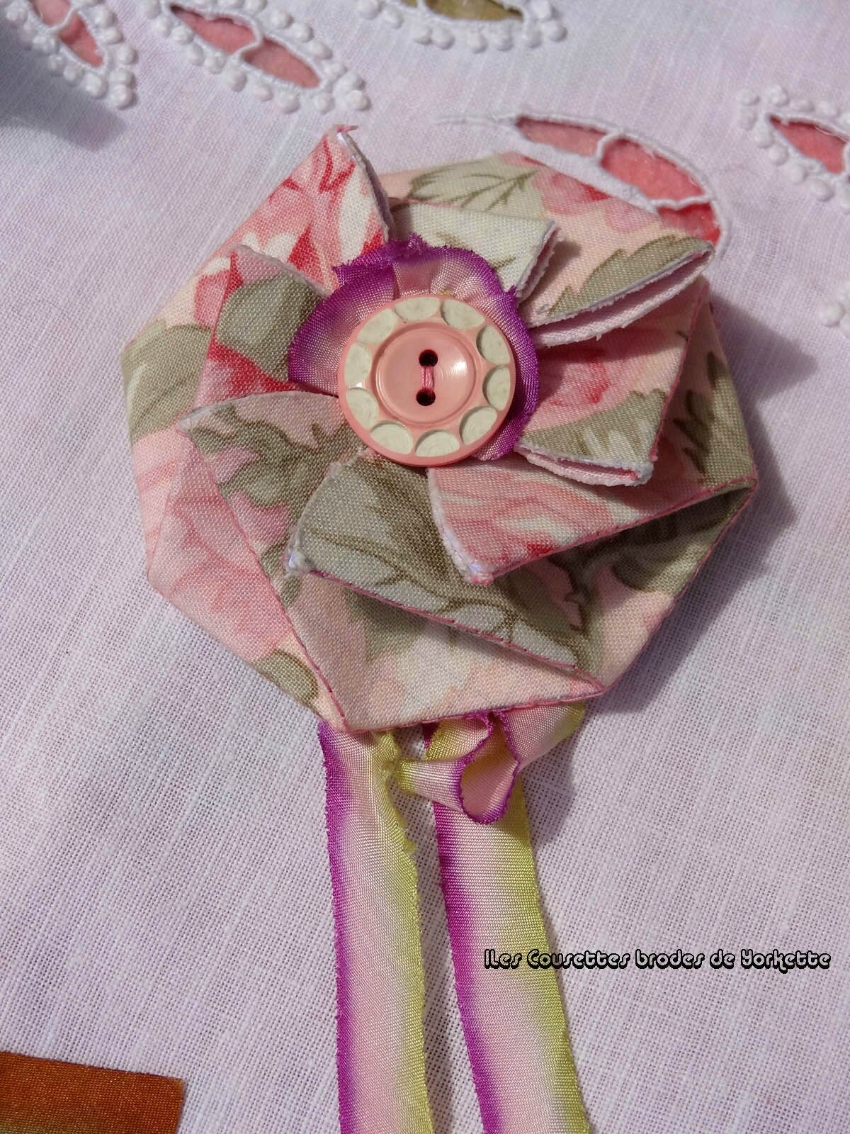 11 Fleur à boutons JAD SAMPLER