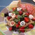 Salade de pâtes menthe, fraises et chèvre frais