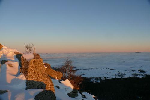 2008 12 24 Les derniers rayons de soleil depuis le Pic du Lizieux sur la mer de nuages