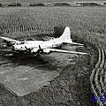 B-17 F-BGSP hélico AvantG Creil 041080 EM