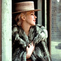 15/04/1956 grey fur - marilyn par milton