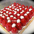 Tarte aux fraises sur cremeux passion et chantilly mascarpone