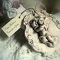 ange romantique sur cadre ovale