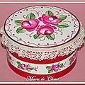 Boîte bois peinte Roses anciennes rouges 11x6cms 1