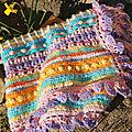 Plaid multicolore au crochet