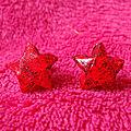 VENDUES - Origami - <b>Boucles</b> <b>d</b>'<b>oreilles</b> puces Rouges Stars.