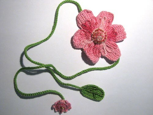 Zinnia (collier-fleur) rose