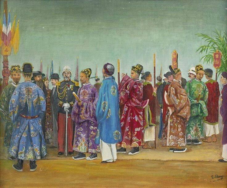 TRAN D. TRONG (XXème siècle), LES MANDARINS ET LES AUTORITES FRANÇAISES ATTENDANT L'ARRIVEE DE L'EMPEREUR THANH THAI, 1903.
