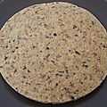 Cookie cru vanille aux flakes complets et aux fèves de cacao