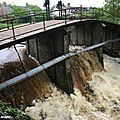 Le déversoir du canal d'Orléans à Combleux après les pluies diluviennes de fin mai 2016