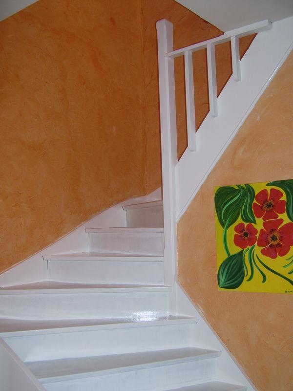 escalier repeint 1ere couche photo de bricolage d co de notre maison les cr ations de k roll. Black Bedroom Furniture Sets. Home Design Ideas