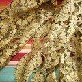 Toute d'or vêtue...