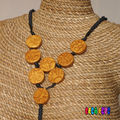Collier perles couleur or face 2