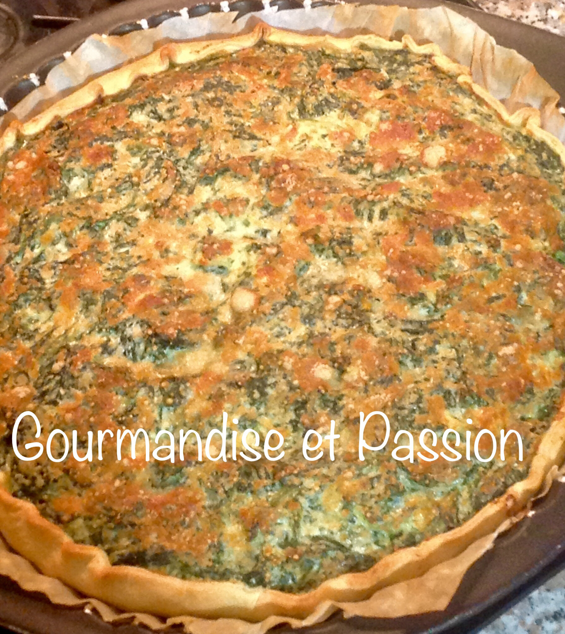 Tarte ricotta, épinards, lardons et parmesan râpé