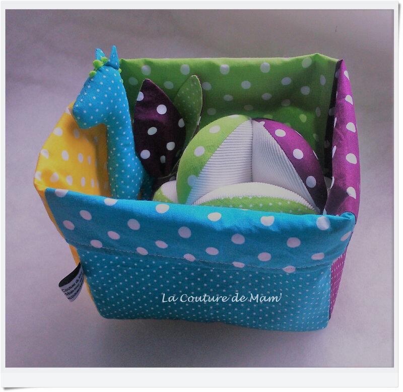 Box cadeau de naissance multicolore