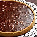 La tarte de céci, caramel et miroir toblerone, ultra décadente, et son livre, totalement caramel !