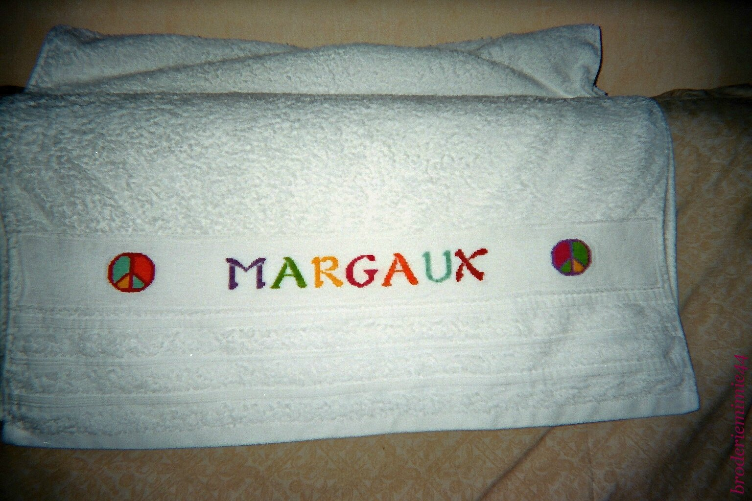 MARGAUX - PEACE AND LOVE