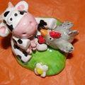 28) vache et poule