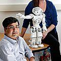 Le robot <b>NAO</b> aide des enfants autistes