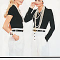 1995, Claudia & <b>Helena</b> pour Chanel - Tee-Shirt Noir & Pantalon Blanc
