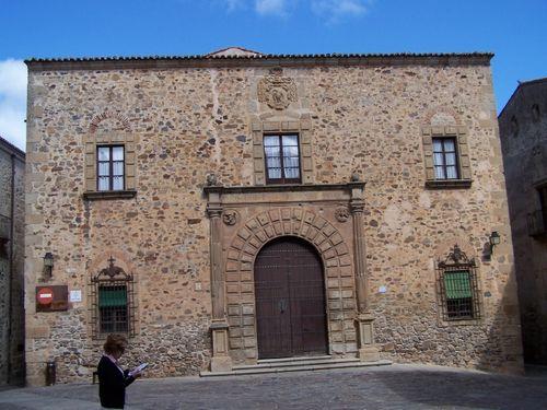 Caceres-Palacio episcopal