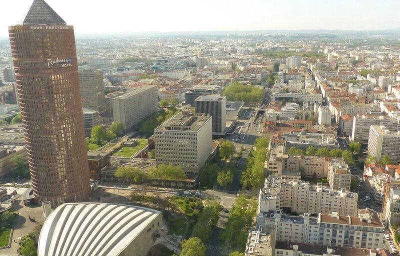 960x614_lyon-le-3-mai-2016-la-rue-garibaldi-vue-depuis-la-tour-incity-a-lyon-immeuble-le-plus-haute-de-la