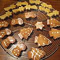 <b>Biscuits</b> de <b>Noël</b> ! Décorez-les de façon originale ! 🍪🎄