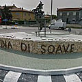 Rond-point à Soave (Italie)