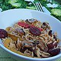 Salade de pâtes aux poivrons, chorizo et champignons grillés au four