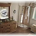 Persienne et relookage de salle de bain...