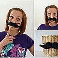 Paye ta moustache!!!