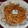Tagliatelle sauce bolognaise aux 3 fromages.