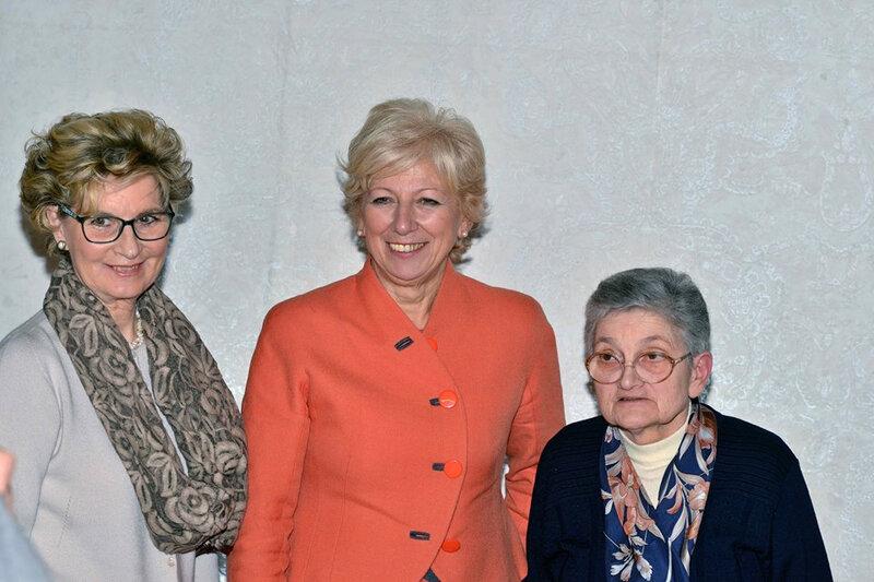 Teresa Zaja et les responsables de l'institut Don Nicola Mazza (1)