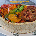 <b>Tarte</b> chèvre-ricotta, tomates anciennes en croûte de riz-sésame*