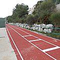 Parc du complexe sportif et de jeux pour enfants: piste de course