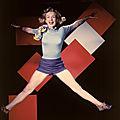 1949, Portraits Studio - Séance du saut par Laszlo Willinger