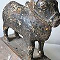 Vache Nandi Sacrée bois polychrome, Inde, 18e