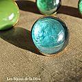 Bagues en verre, verts et bleu