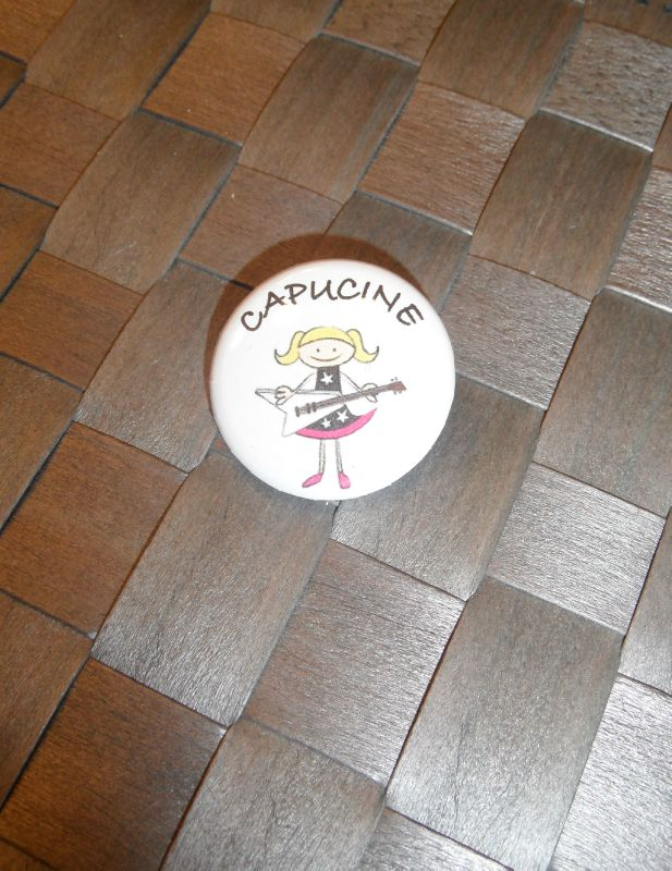 badge capucine