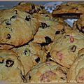 Cookies aux raisins ou aux éclats de praline et chocolat