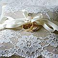 coussin-porte-alliance-mariage-romantique