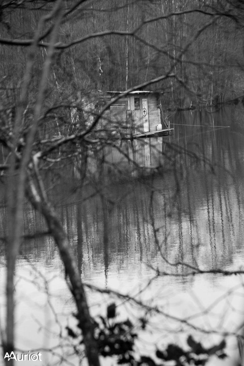 La cabane sur le lac