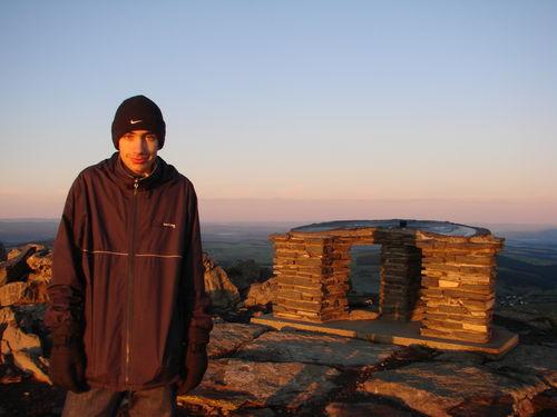 2008 09 08 Cyril au levé du soleil au sommet du Mont Mézenc