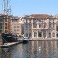 La mairie depuis le ferry-boat