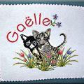 broderie chats dans l'herbe