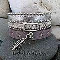 <b>Bracelet</b> festif femme multirangs <b>argenté</b>, gris breloque plume et étoile, fermoir toggle carré ! J'adore, et vous ?