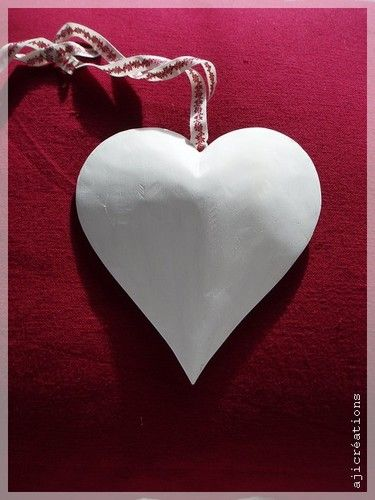 Noël en blanc et Rouge : Coeur suspendu