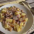 Salade de harengs fumés aux pommes de terre et oignons rouges